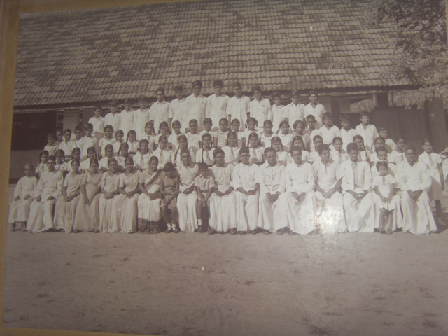 Ancient-Photo-of-the-school